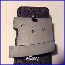 Louis Vuitton Taiga Leather LV Grey Initials Belt Buckle Size 90/36